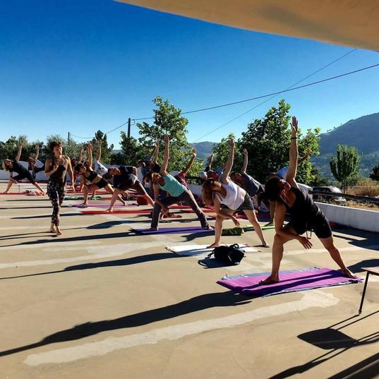 dat is ook estival yoga op dakterras est