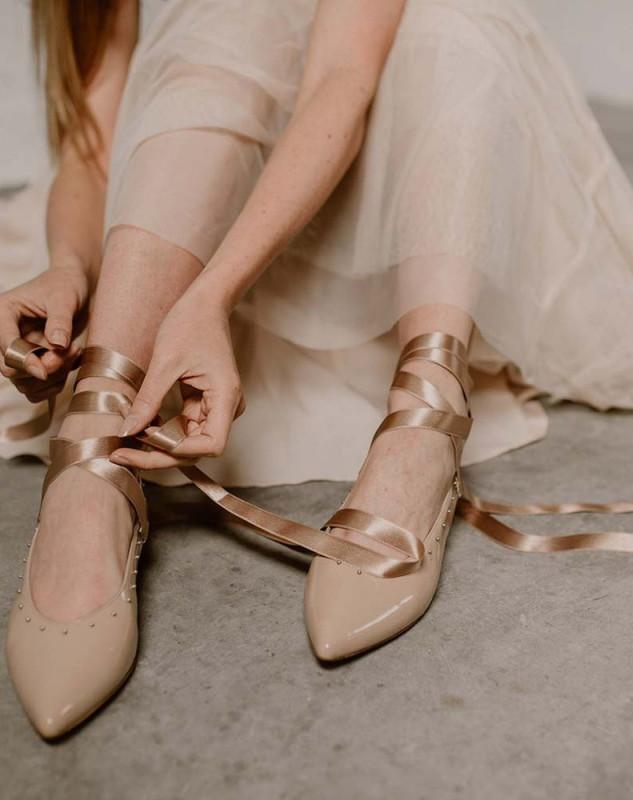 Ballerine L'Effrontée, Cuir Vernis Nude, 239€