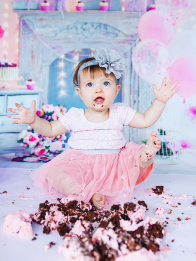 Callie_CakeSmash_PS_1.jpg