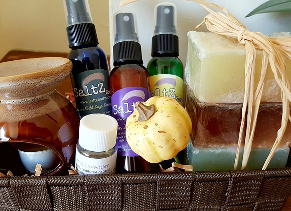 Housewarming gift basket with natural home fragrance