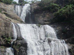 குற்றால அருவியில் பார்ப்பனர்கள் மட்டும்தான் குளிக்க முடியும் - ஜாதி வெறி