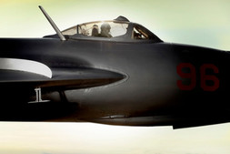 oliver-haupt-jet1_med.jpg