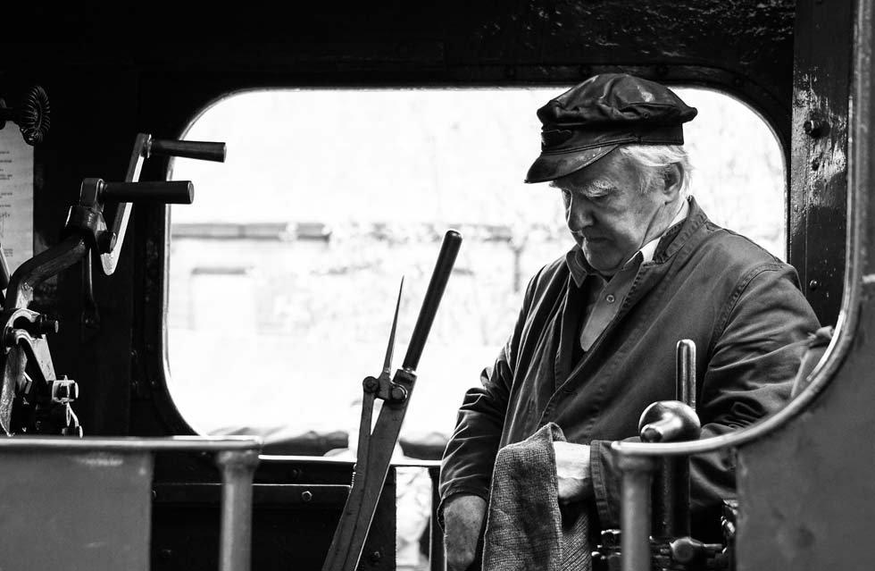 Looking into history Frank Cronin - © Liam Branes