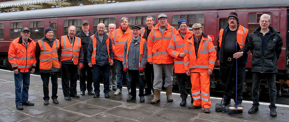 Carriage Cleaning Team – © Rory Lushman