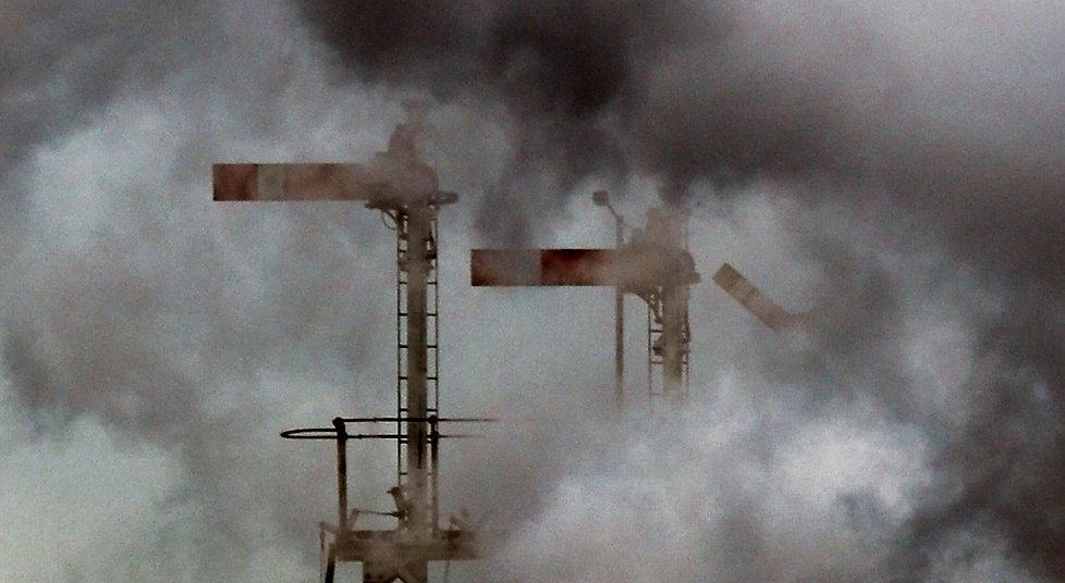 Signals in the smoke - © Pat Stott Kilner
