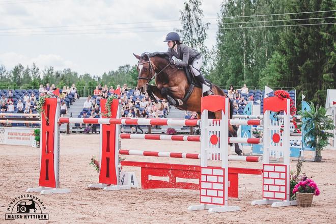 2-tason esteratsastuskilpailut Isojärvellä 13.7.2019