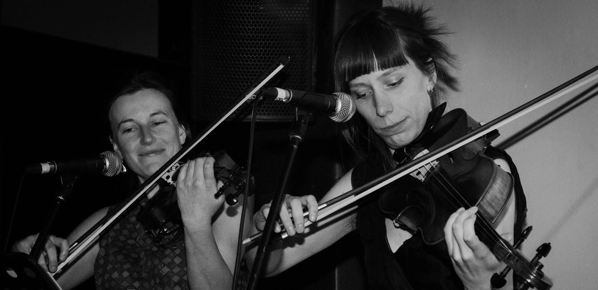 Alex & Sophie play fiddles