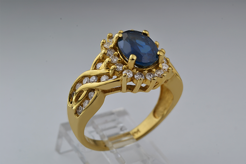 Blue Sapphire Ring with Round Brilliant Diamond in 14k Yellow Gold