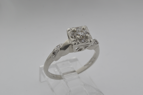Antique Diamond Ring, in 14k White Gold