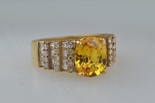 Yellow Sapphire & Diamond Ring, in 18k Yellow Gold