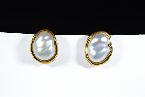 Tiffany & Co Bewa Pearl Earrings, in 18k Yellow Gold