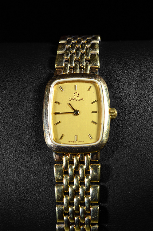 Previously Owned Omega Deville Quartz Analog Watch