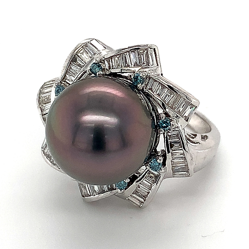Black Tahitian Pearl and Diamond Ring, in 18k White Gold