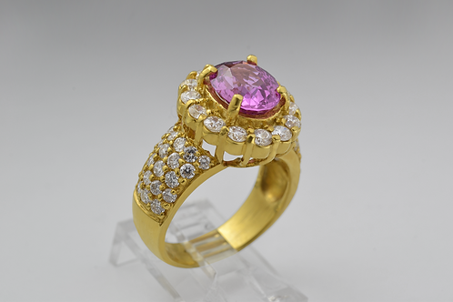 Pink Sapphire Ring with Round Brilliant-cut Diamonds Set in 18k Yellow Gold