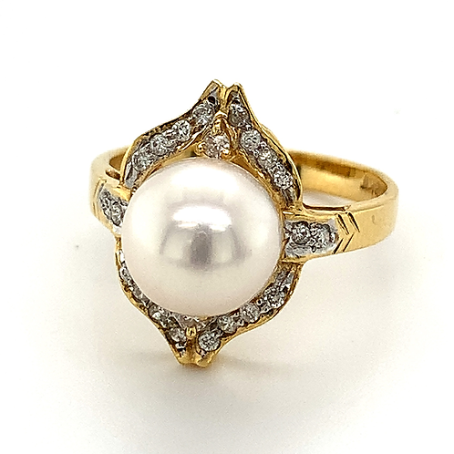 Light Pink Pearl and Diamond Ring, in 18k Yellow Gold