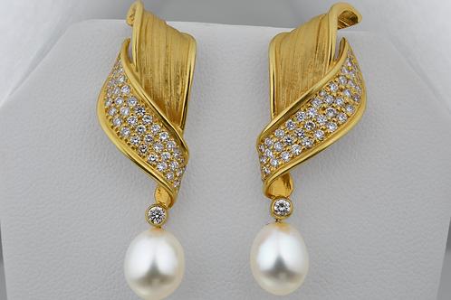 Pearl & Diamond Earrings, in 18k Yellow Gold