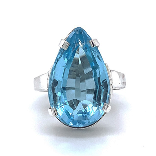 Blue Topaz Ring, Set in Sterling Silver