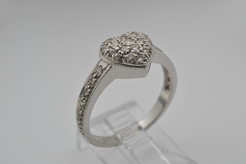 Platinum Diamond Heart Band