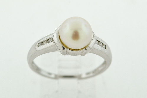 Cultured Pearl and Diamond Ring, in 14k White Gold