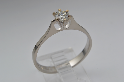 Round-Cut Diamond Ring, in 18k White Gold