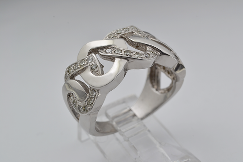 Heart Link Diamond Band in 14k White Gold