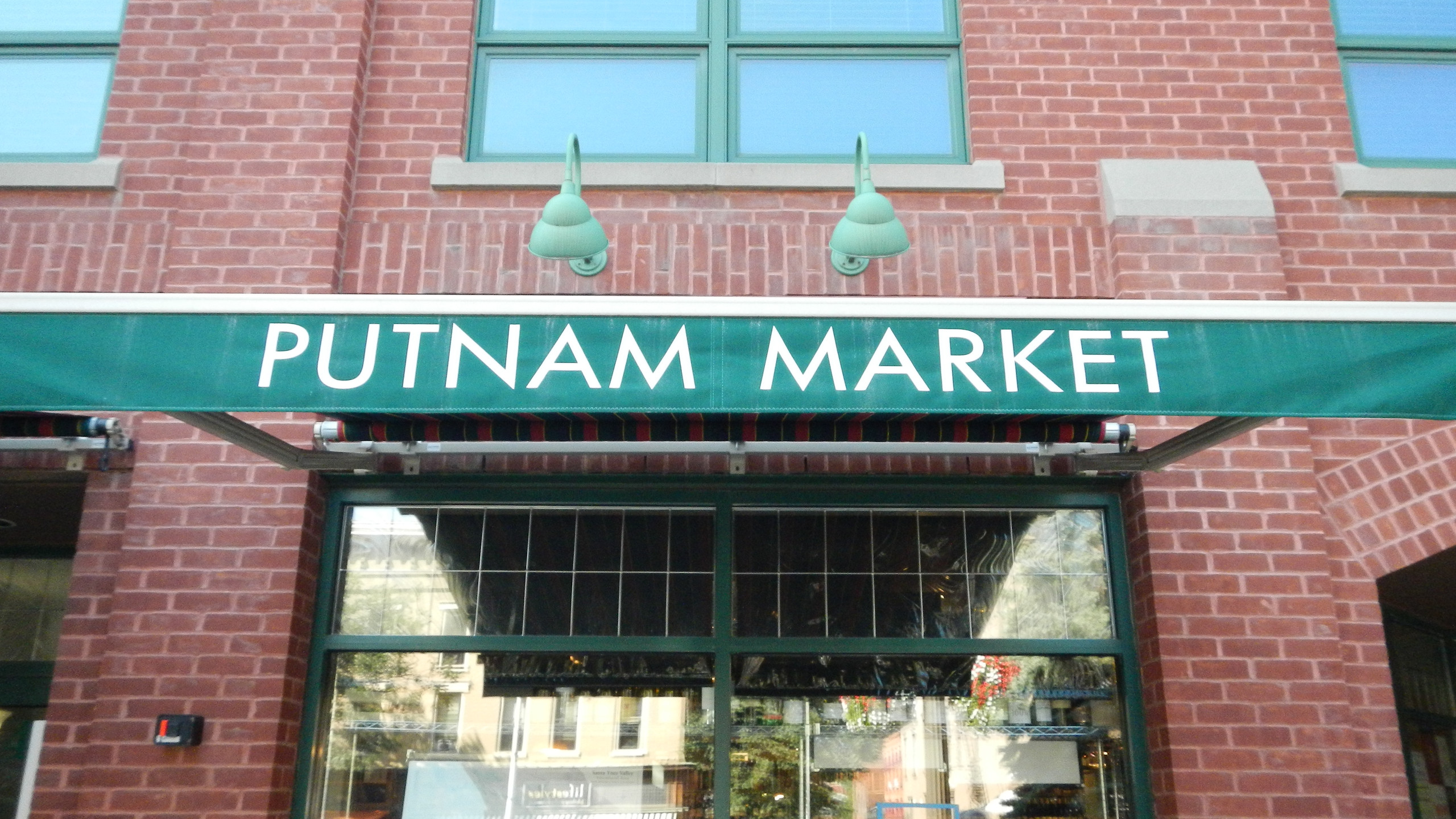 Outside of Putnam Market