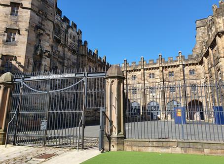 A Castle as a Prison?