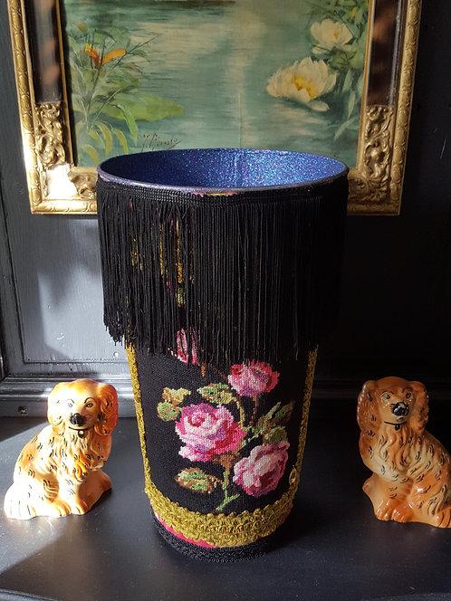 VASE Modèle fleurs franges noires - Moyen modèle