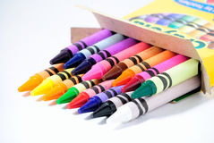 back-to-school-crayons-13721632