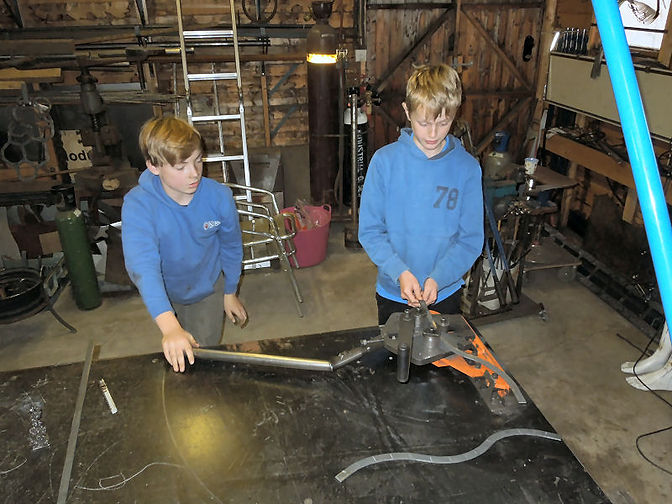 sculpture class for youngsters