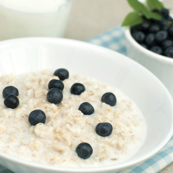 Oats are a whole-grain cereal, known scientifically as Avena sativa. They are mainly grown in North America and Europe.  They are a very good source of fiber, especially beta-glucan, and are high in vitamins, minerals and antioxidants.  Whole oats are the only source of a unique group of antioxidants called avenanthramides, believed to have protective effects against heart disease.  Due to their beneficial health effects, such as lowering blood sugar and cholesterol levels, oats have gained considerable interest as a health food (1, 2, 3, 4).  Oats are most commonly rolled or crushed, and can be con