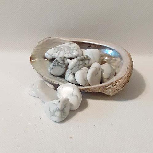 Howlite ou magnésite, pierre roulée