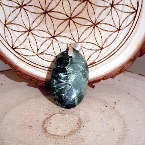 Séraphinite, pendentif monté sur bélière argent 925