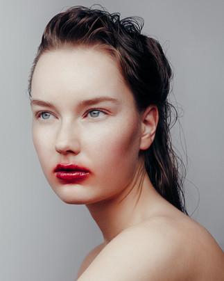 Photography Lari Heikkilä Model Emeliina Porvari Makeup&hair Tiina Willman