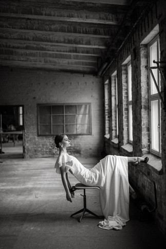 LAURA HYVI BRIDAL EDITORIAL