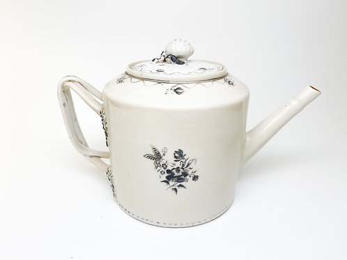 19th Century Qing Dynasty Black and White Porcelain Export - Teapot
