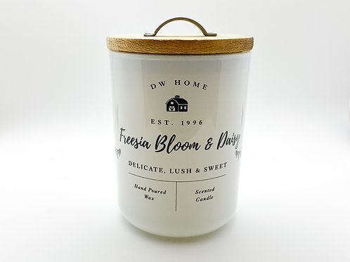 DW Home - Freesia Bloom & Daisy - 15 oz. Natural Soy Candle