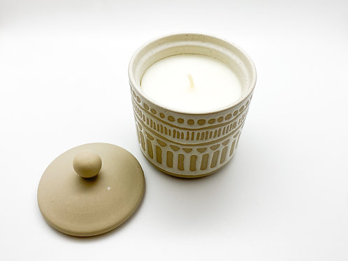 DW Home - White Sandalwood - 7 oz. with Ceramic Vessel and Lid