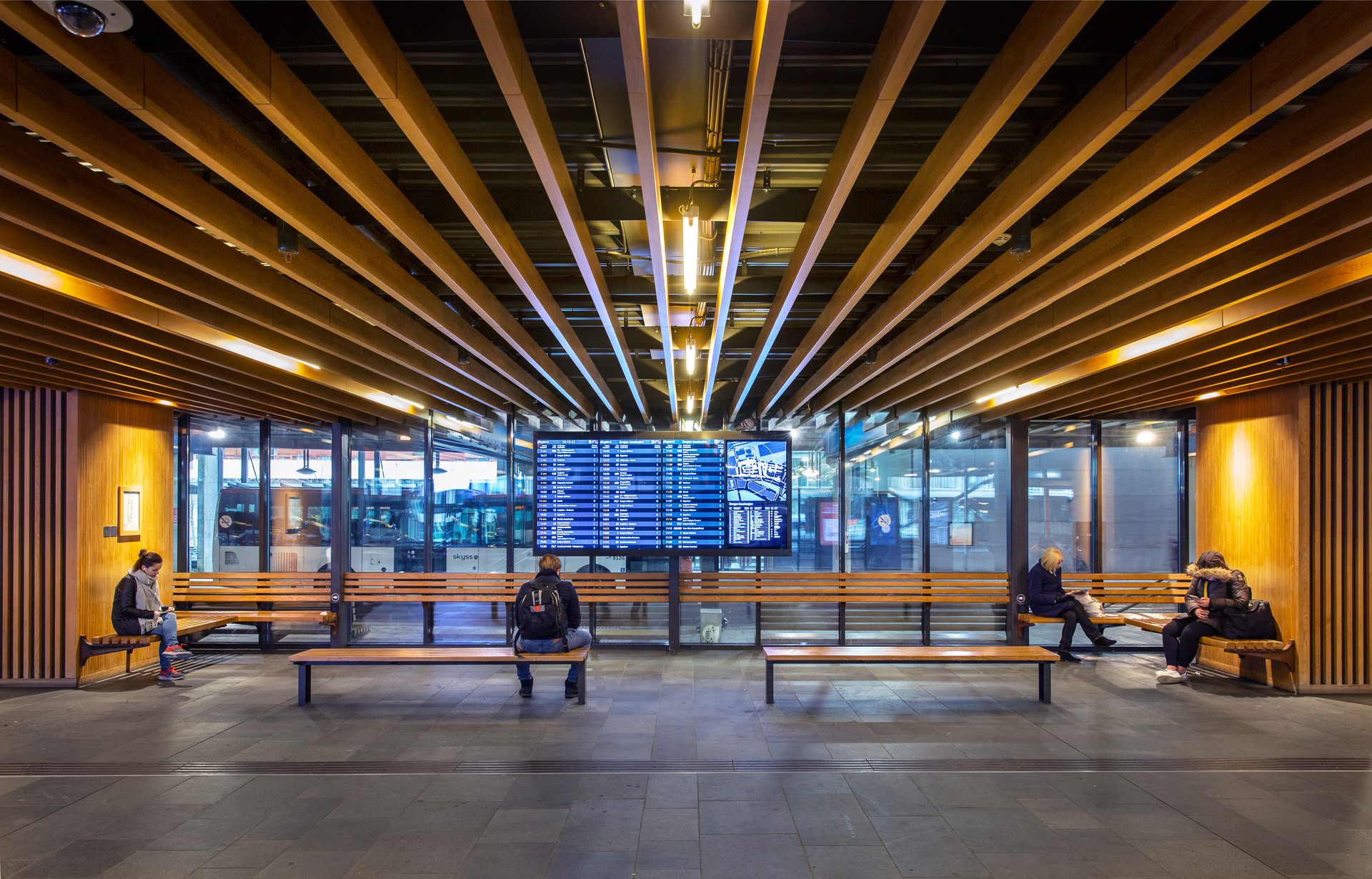 Kahrs Bystasjonen terminal-9315.jpg