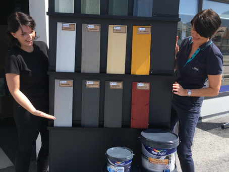 Kva med å male huset ditt i fargen Opplett, Skymt, Svartestille eller Synnavind?