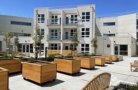 Leigh courtyard 4-20.jpg