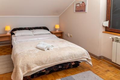 Francuski Lezaj u malom apartmanu za do 5 osoba