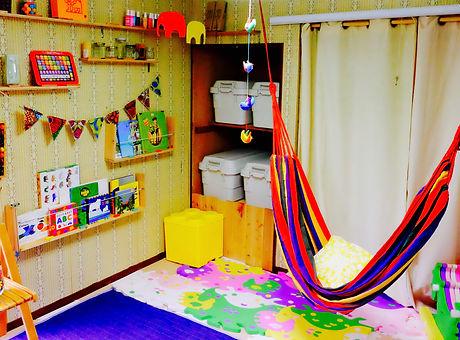 ポスター用教室風景2.jpg