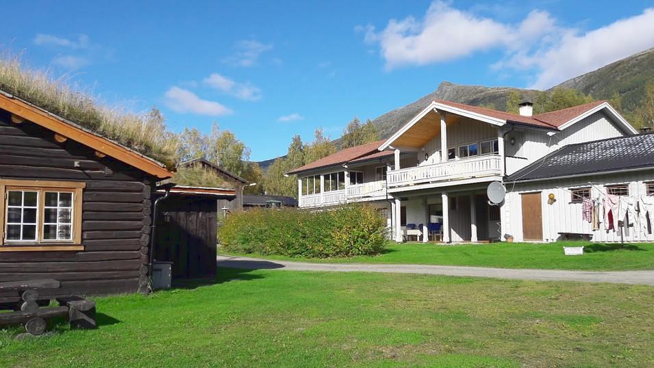 Holungsøy_Camping_bygg.jpg