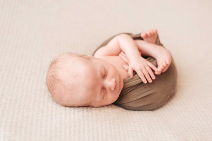 raleigh-newborn-photography-five-feather