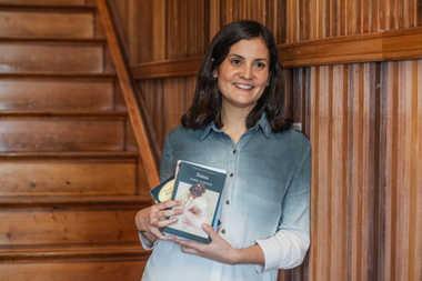 Profesora Tercer Ciclo y Media - Camila Cruz