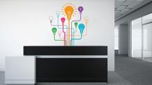 Ambientes de trabalho descontraídos com adesivos decorativos