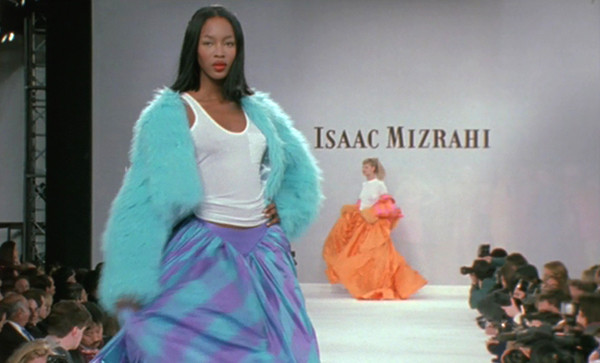Linda Evangelista and Naomi Campbell on the runway of Mizrahi's 1994 show