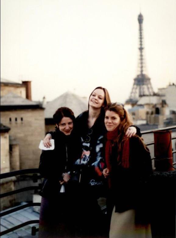 Thea Pérez -  in Paris  early career