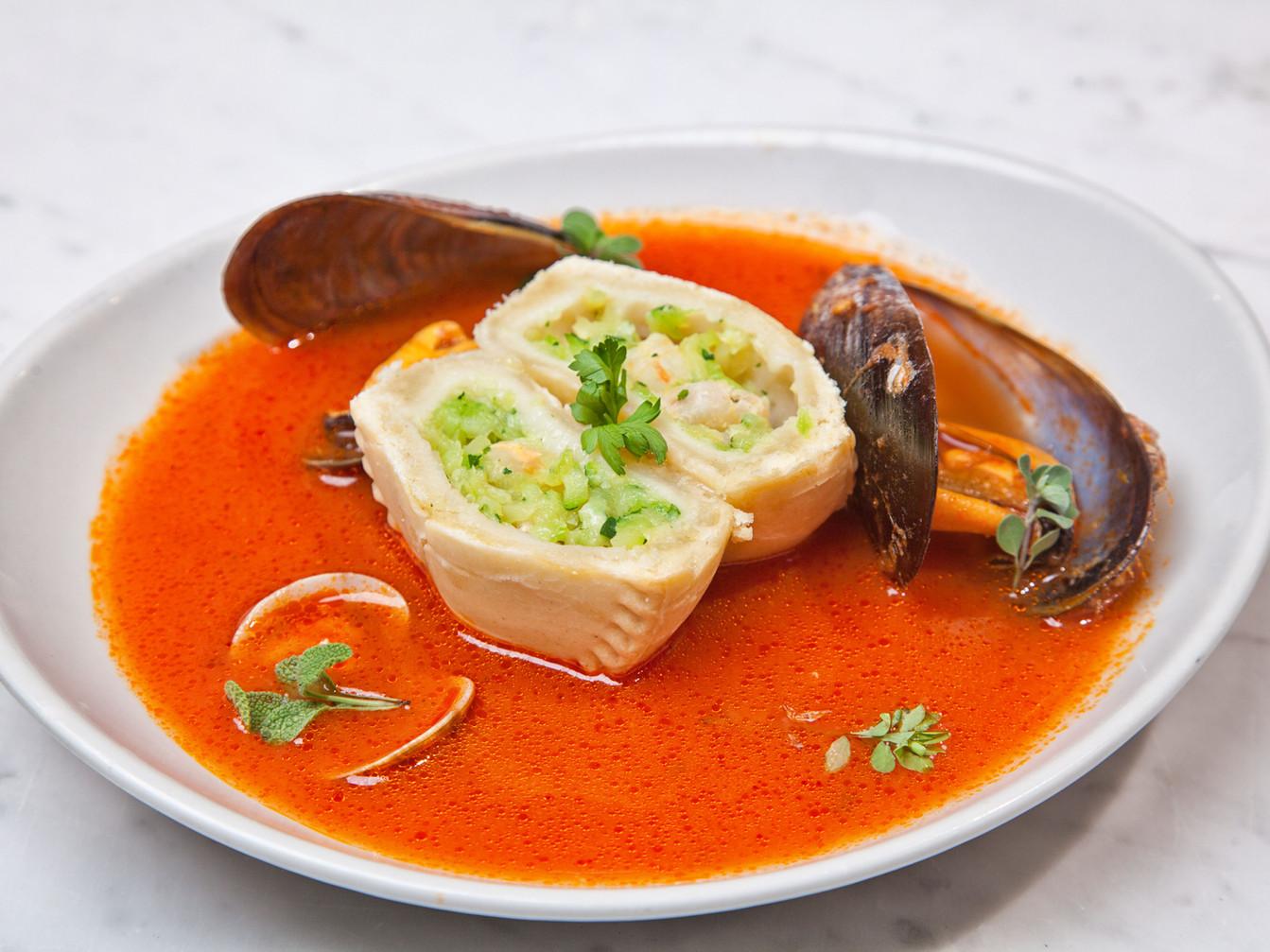 Panada di gamberetto rosso e zucchine con guazzetto di mare